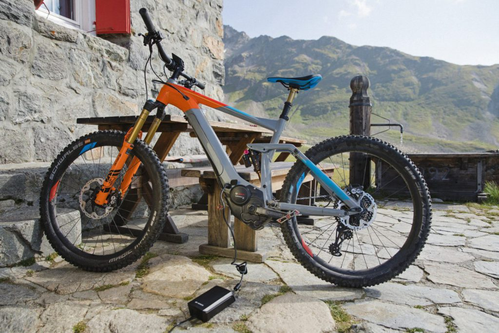 How to charge an e-bike